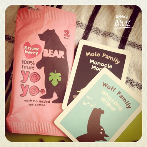Each pack of BEAR strawberry Yo-yos comes with collectable animal fact cards