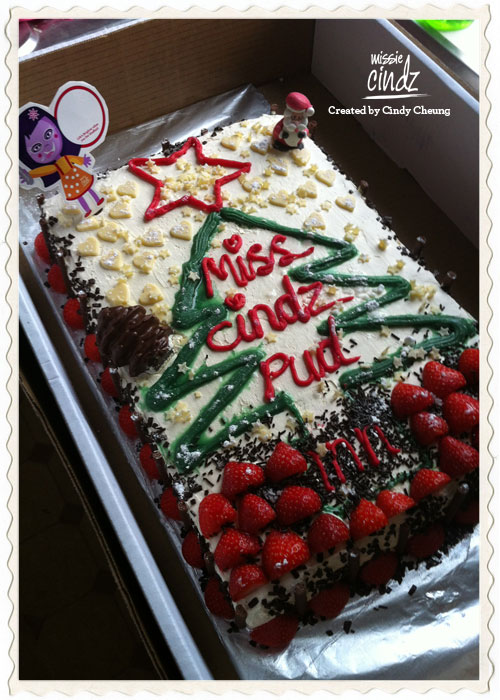 Pud 4: the great Christmas Chinese sponge cake by aunty Trace :)