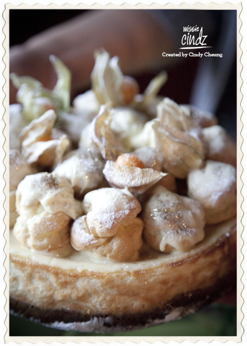 Pud 2: baked vanilla cheese cake with chantilly filled white chocolate profiteroles