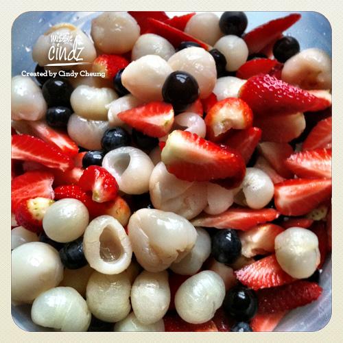 Pud 2: a refreshing oriental fruit salad – fresh strawberries, lychees, longans, grapes in fruit juice
