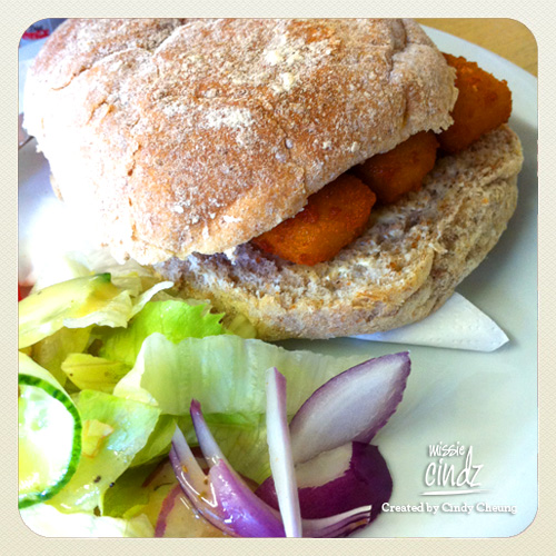 Fish finger sandwiches always makes kidults like me HAPPY! :)