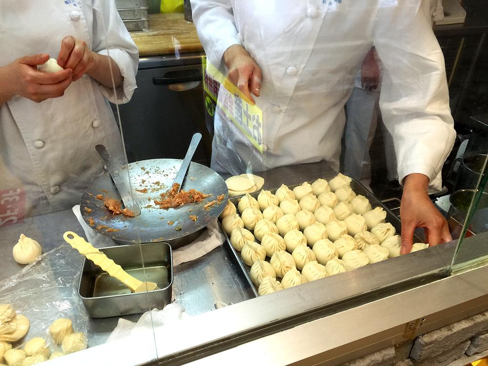 missie-cindz-yokohama-dumplings-1